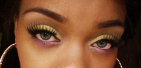 Vanna Smakeupbag Nicki Minaj Super Bass Makeup Look
