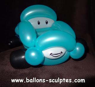 voiture du dessin animé cars en ballons