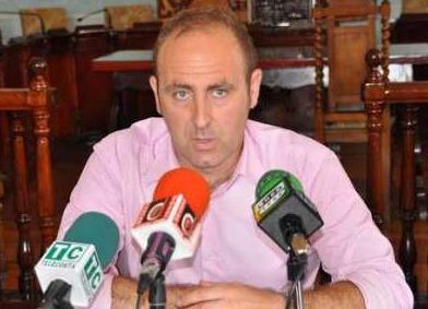 Javier Muñoz (PP) critica las externalizaciones del equipo de gobierno, las cuales considera ...