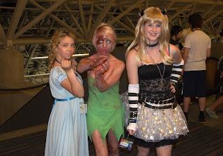 Photos of costumes at Otakuthon 2012