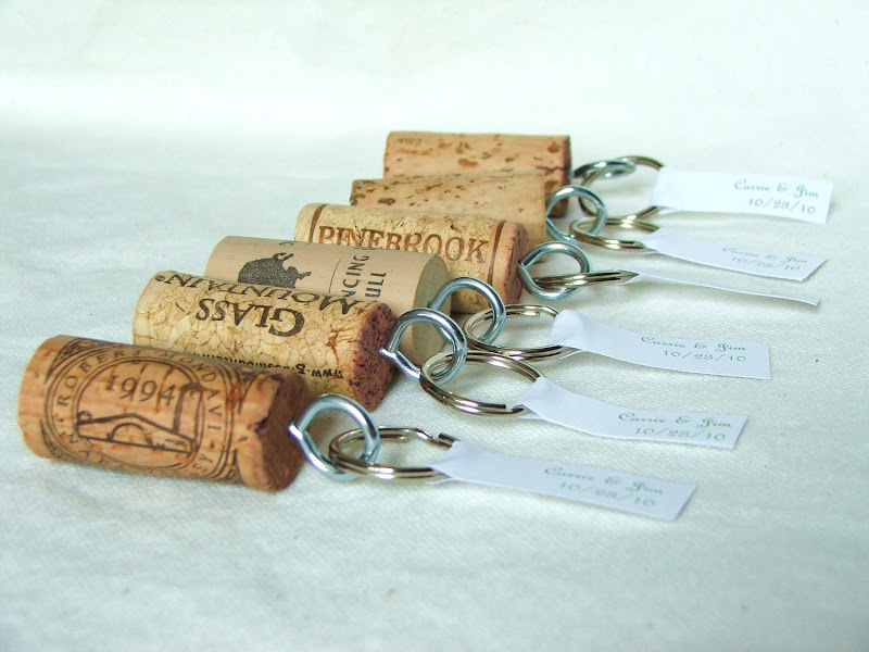 How can you recycle wine corks? I found these crafty ideas to inspire  title=