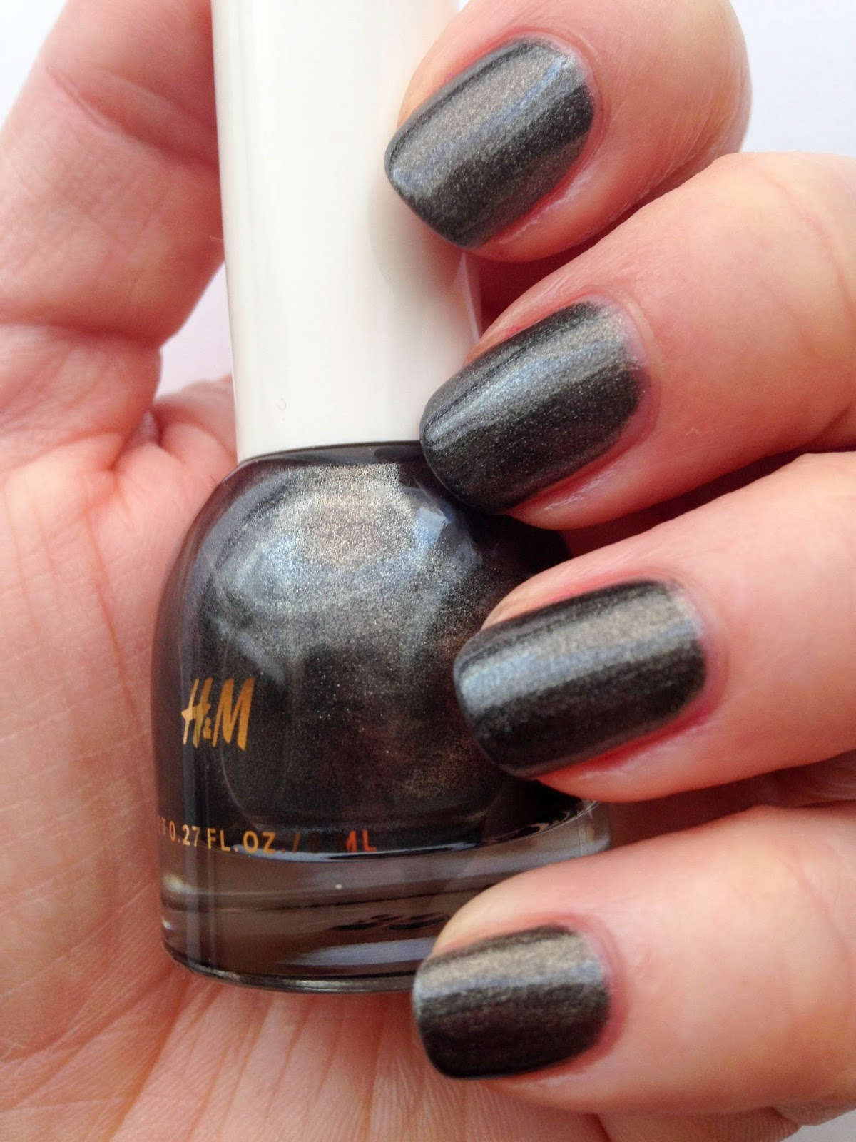 NOTD: H&M nail polish in Mercurial Me | Wrinkles And Heels