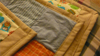 photo close-up of the quilt showing the edge binding