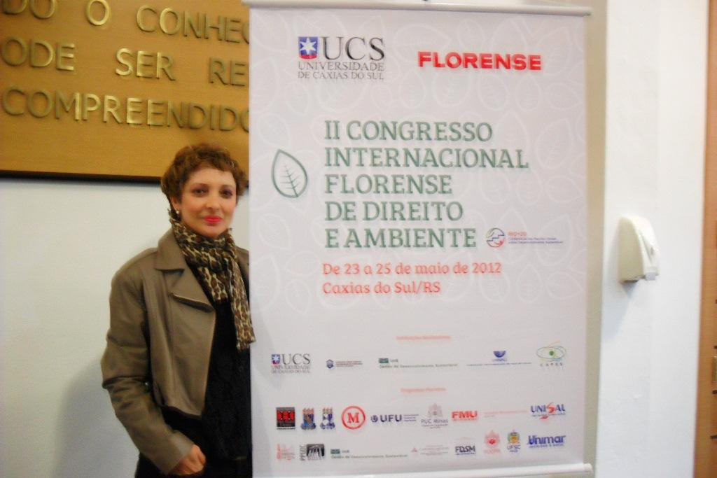 Professora Ana Alice de Carli, que ministra as matérias Direito Constitucional e Direito Administrativo no curso de Direito do Centro Universitário Serra dos Órgãos (UNIFESO)
