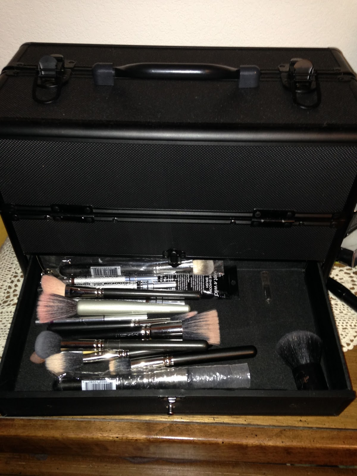 salon equipment, makeup artist case