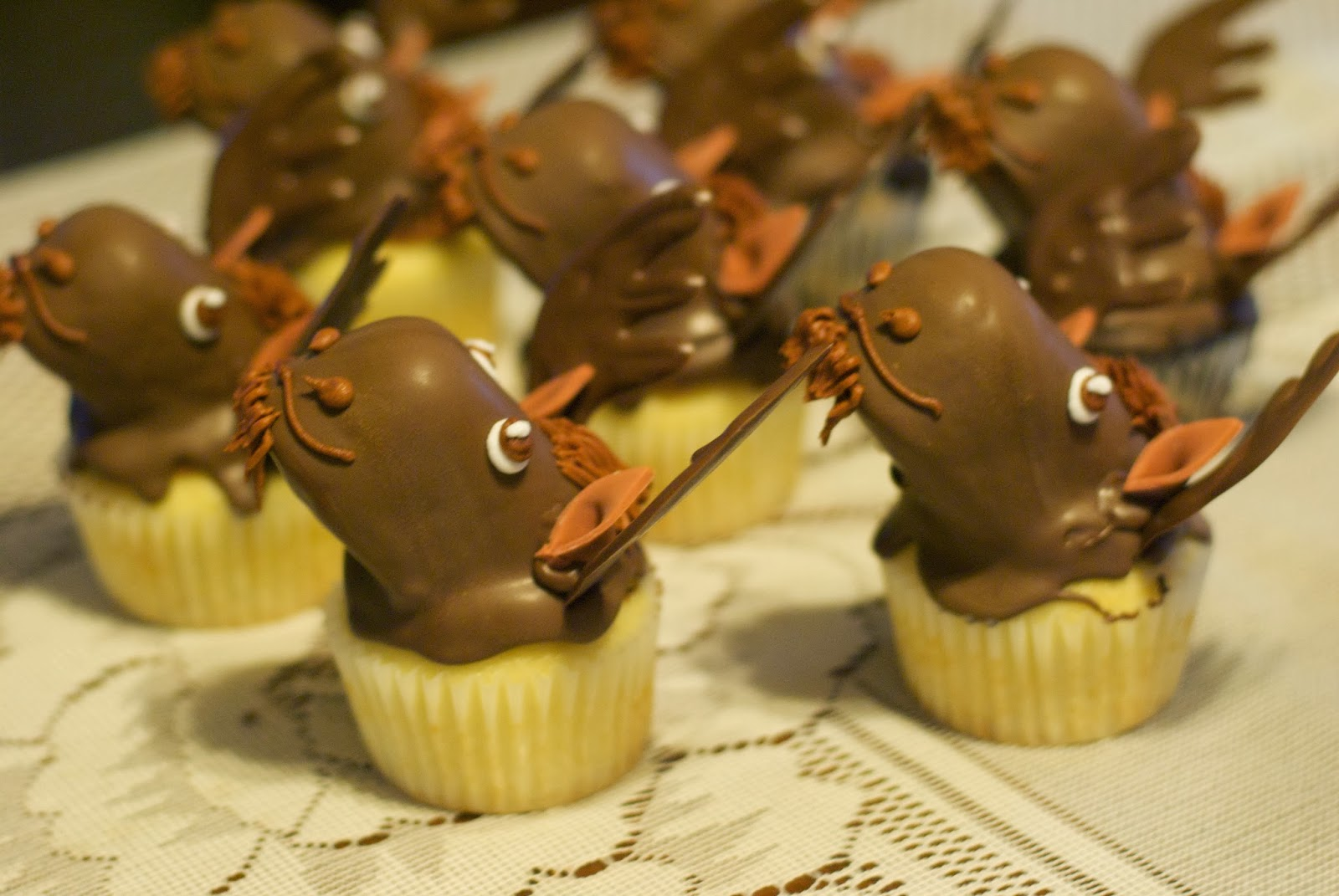 Country Cupboard Cakes: Moose baby shower