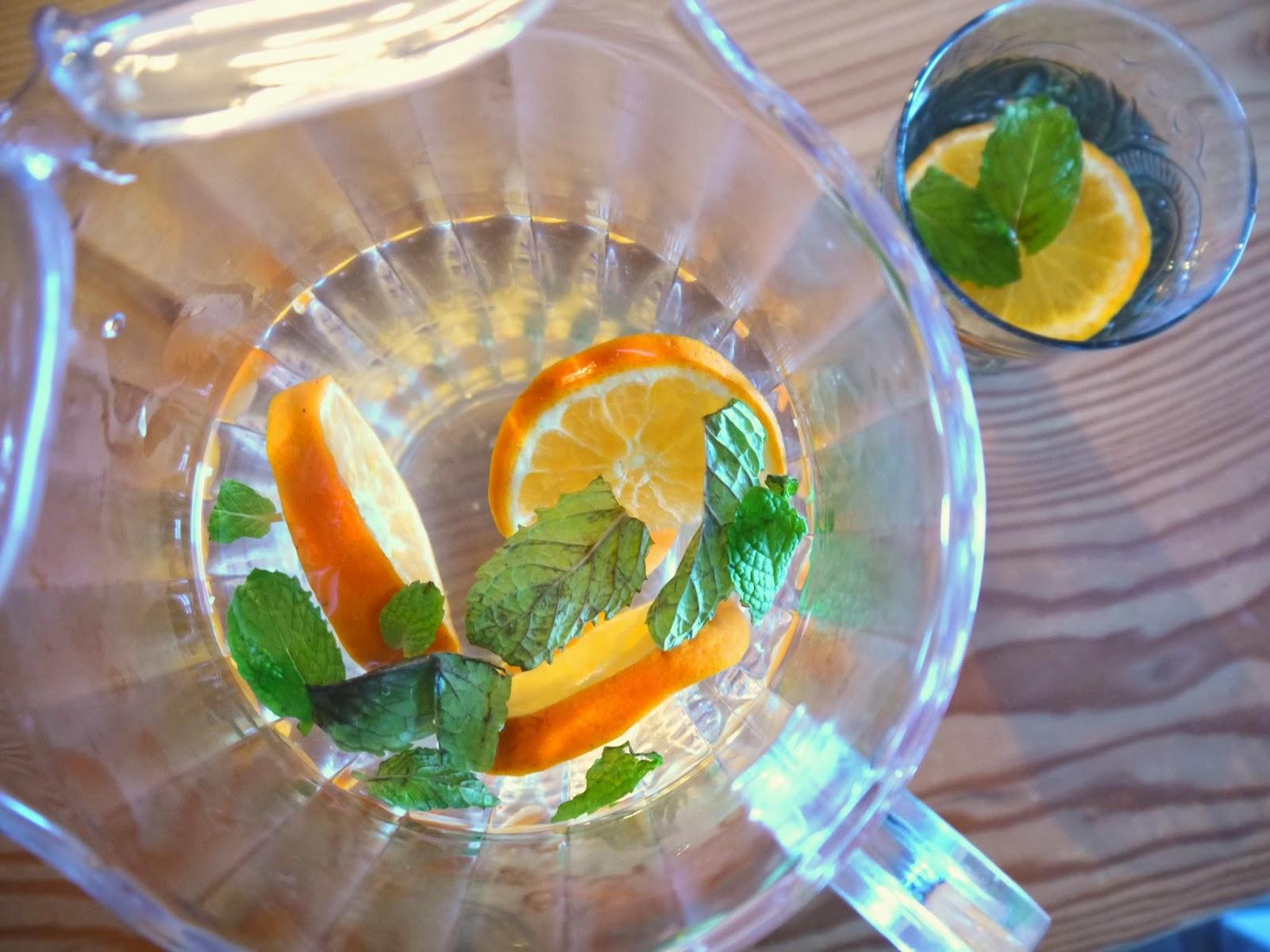 http://www.eat8020.com/2014/01/80-tangerine-mint-water.html