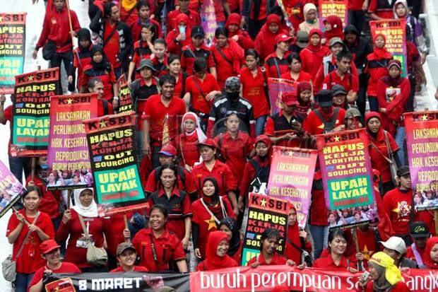 Buruh Siap Menuntut Hak dari Pemerintahan Jokowi-JK