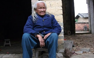 Seorang Nenek Di China Bangkit dari Kematian