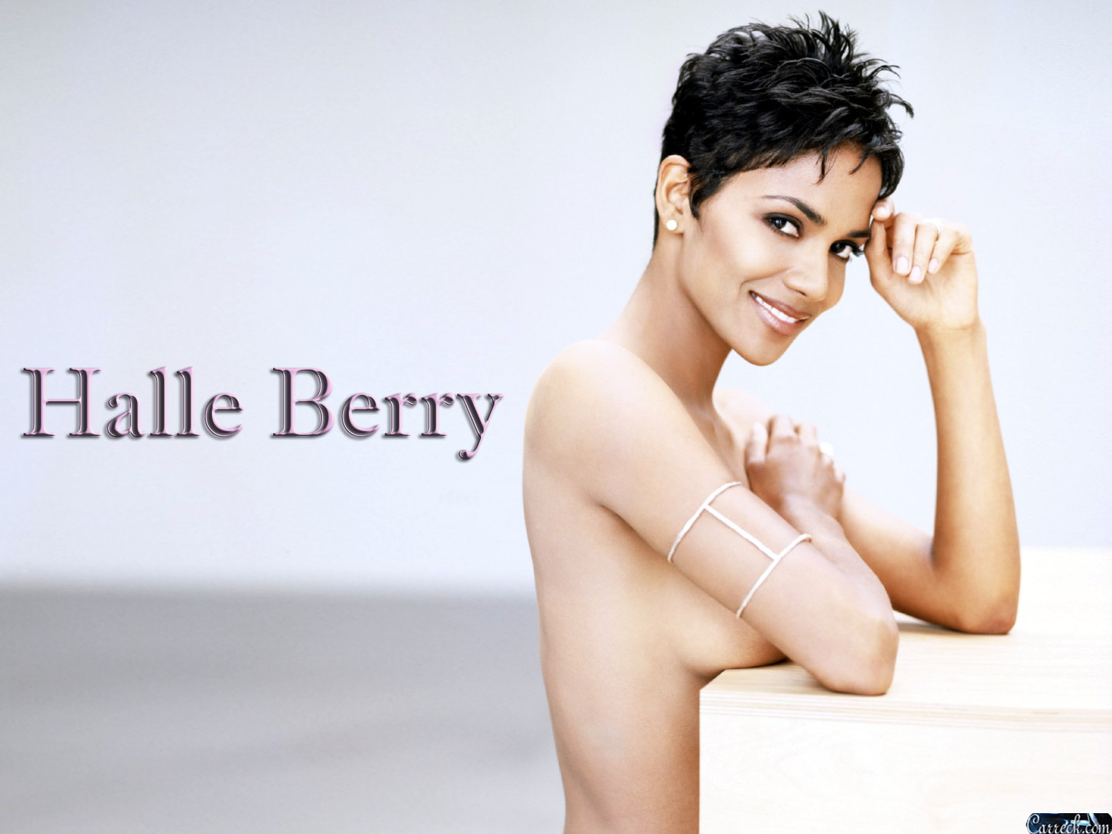 Halle Berry: Halle Berry Hot Wallpapers холли берри
