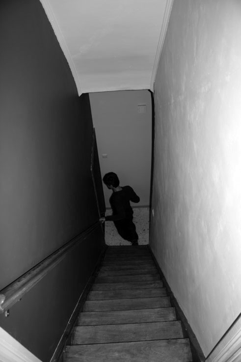 pict, homme dans des escaliers, man in staircase, escalera, photo dominique houcmant aka goldo graphisme