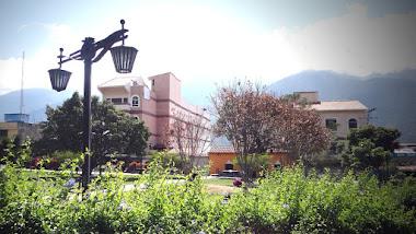 Plaza de Milla: abandonada y abarrotada de basura