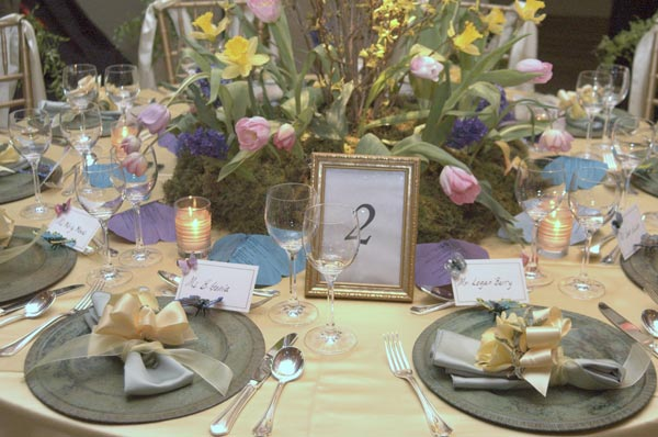 Decorating Wedding Tables