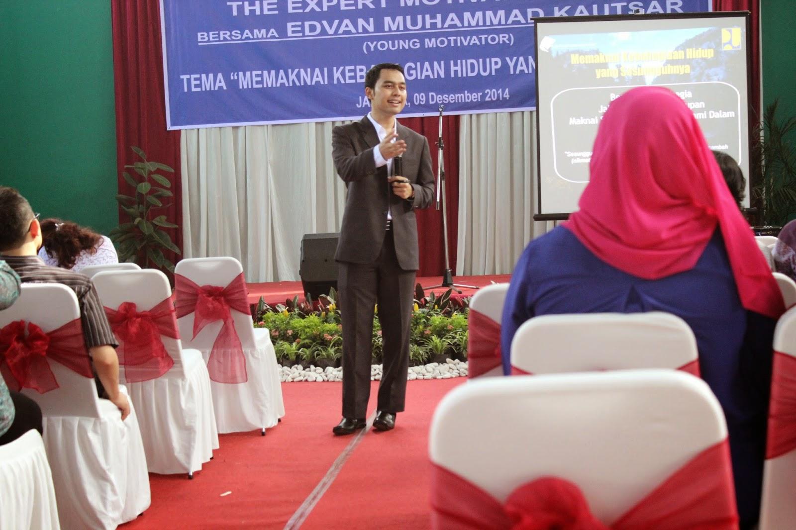 Motivator Indonesia, Motivator Muda, Motivator Cinta, Inspirator Muda, Pembicara Seminar, Training Entrepreneur, Training Wirausaha, Pembicara Entrepreneur