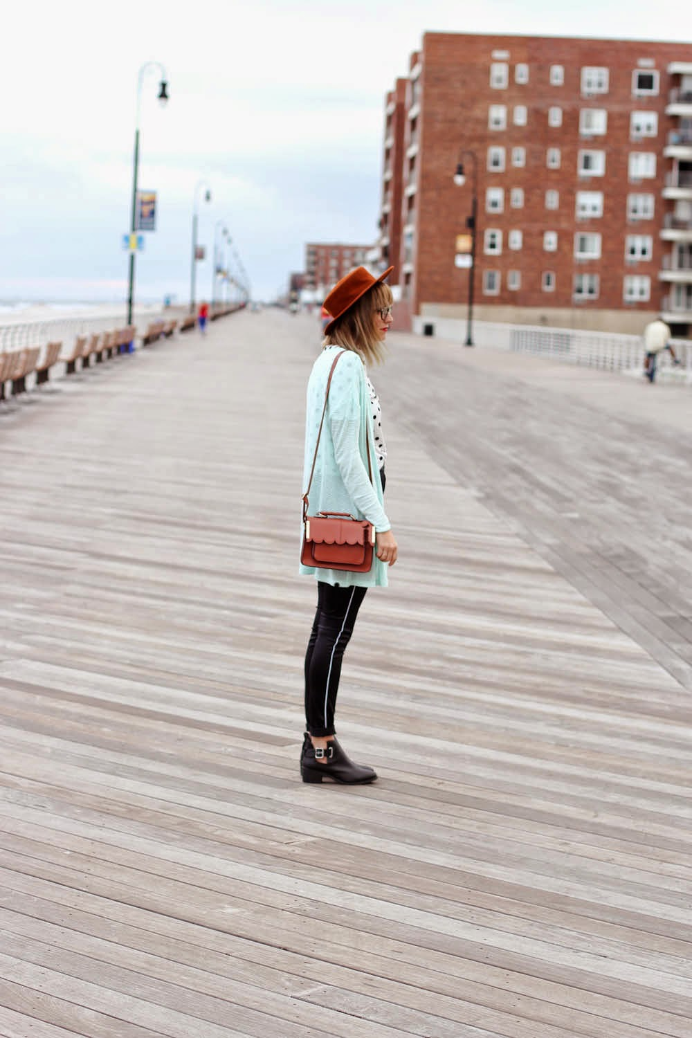 h&m high waist pants, long beach boardwalk, h&m fall campaign, nyc vintage fashion blog
