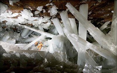Naica - A caverna de cristais gigantes - México