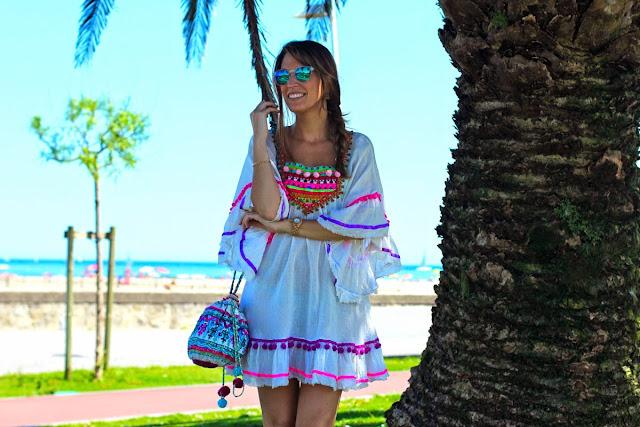 vestido pompones