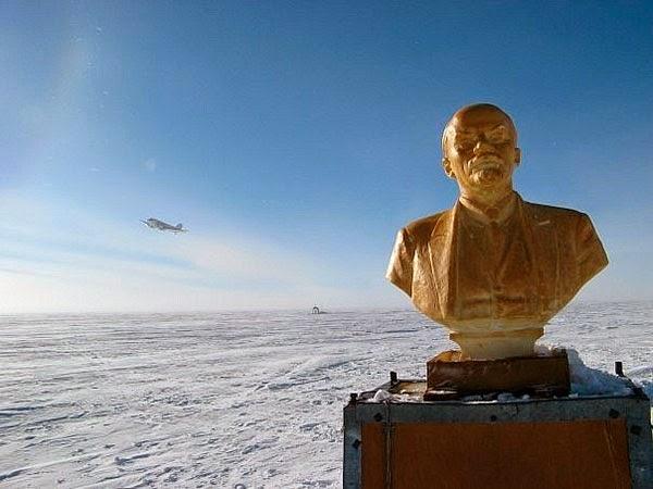 Памятник Ленину в Антарктиде