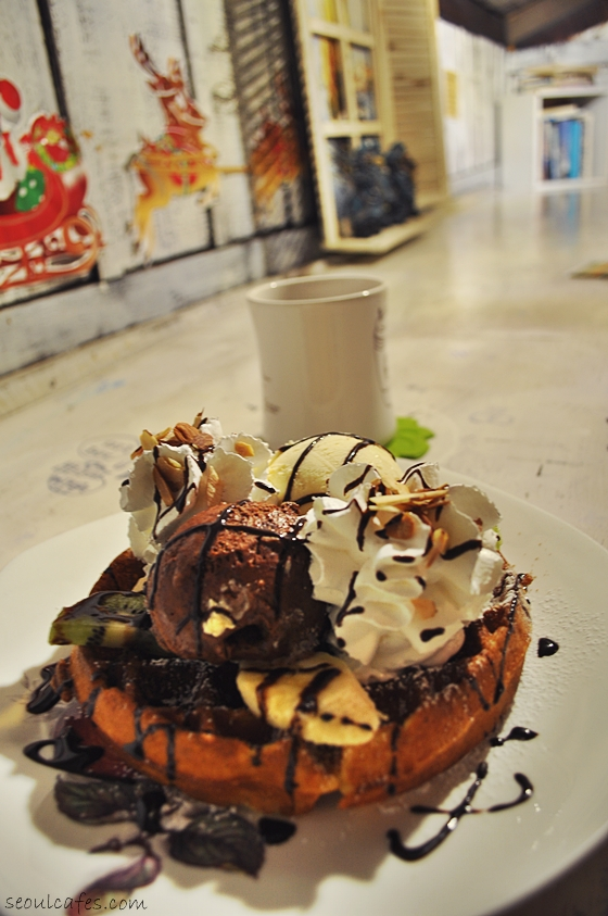 seoul cafes coffee waffles ice cream samcheongdong
