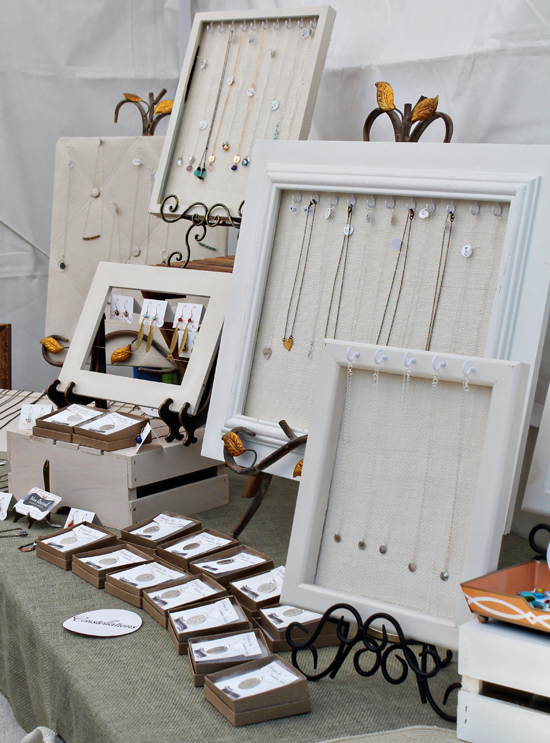 Viva revival interior design graphic design and crafts for Made in the south craft shows