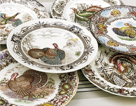 These antique turkey designed plates are beautiful. Set on a white background allows for the turkey to stand out enhancing all the multi contrasting colors ... & Designs for Daley Living: Table Setting Thoughts for Thanksgiving