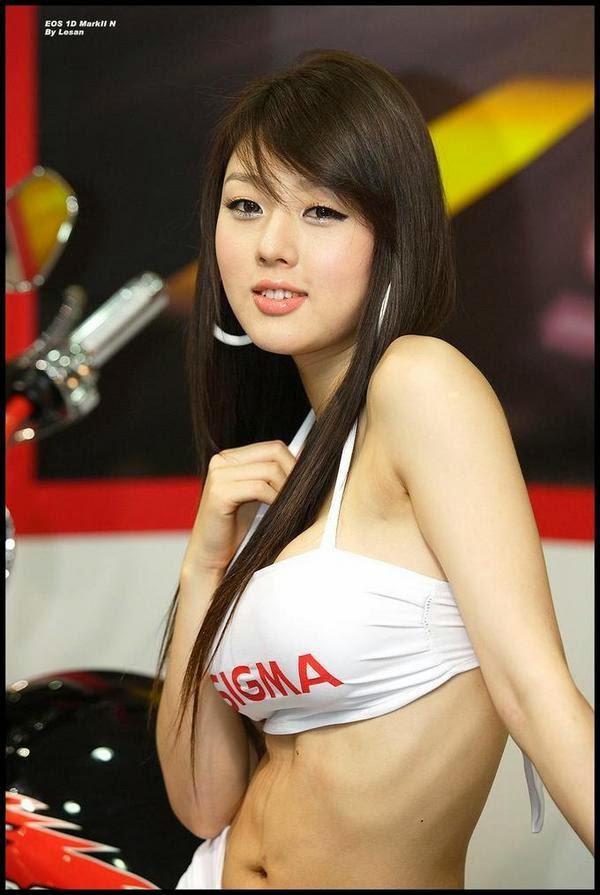 hwang mi hee sexy car show pics 02