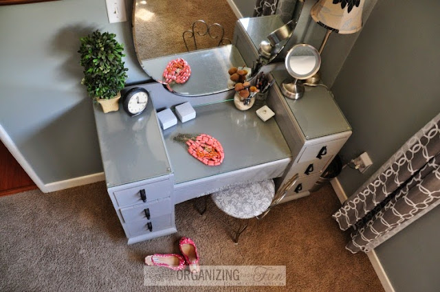 Vintage vanity updated in gray :: OrganizingMadeFun.com