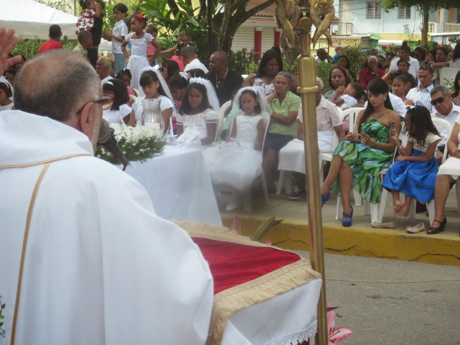 Rector de la UASD  acompaña a Cambita el Pueblecito  en sus fiestas patronales