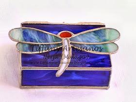Caja con libélula no. 10