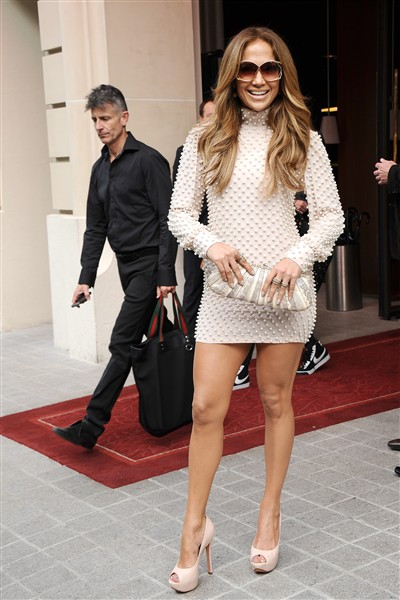 Jennifer Lopez JLO Pictures in Short Skirt, Jennifer Lopez JLO Wallapers for your Desktop