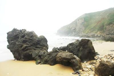 Caravia, playa de La Beciella border=