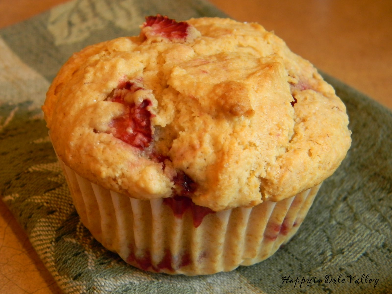 Happy in Dole Valley: Muffin Monday - Strawberry Shortcake Muffins