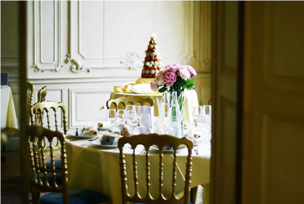 Christmas decorating day 3 fabulous french femininity for 13 a table paris