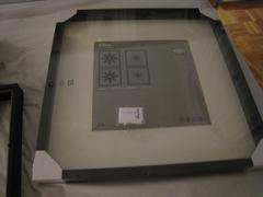 estos espejos estn hechos con unos marcos ribba de ikea el toque original lo ponen las flores las han impreso en papel adhesivo
