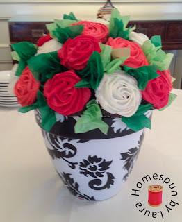 wedding shower rose bouquet cupcakes