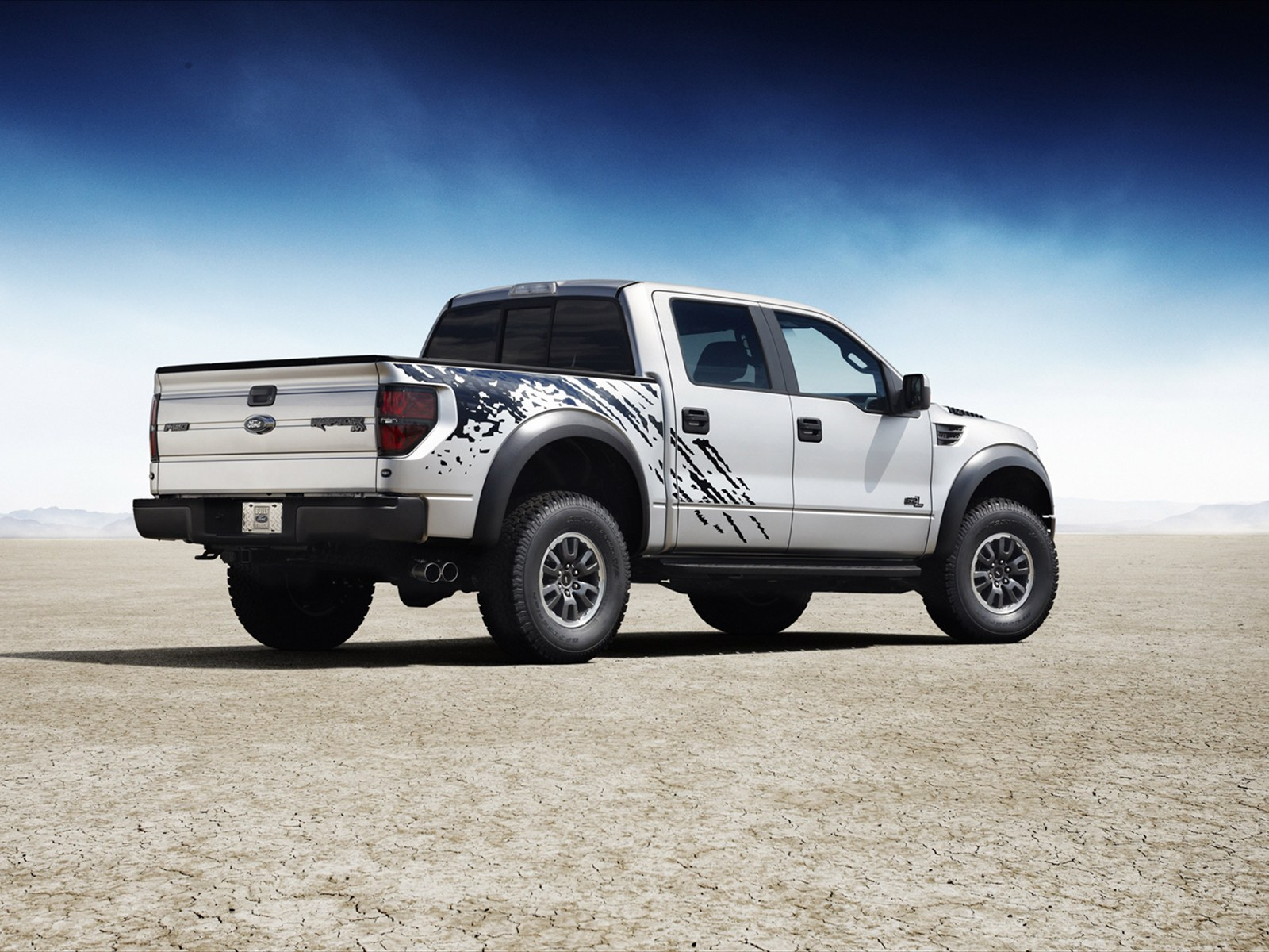 Car Pictures: Ford F-150 SVT Raptor 2011