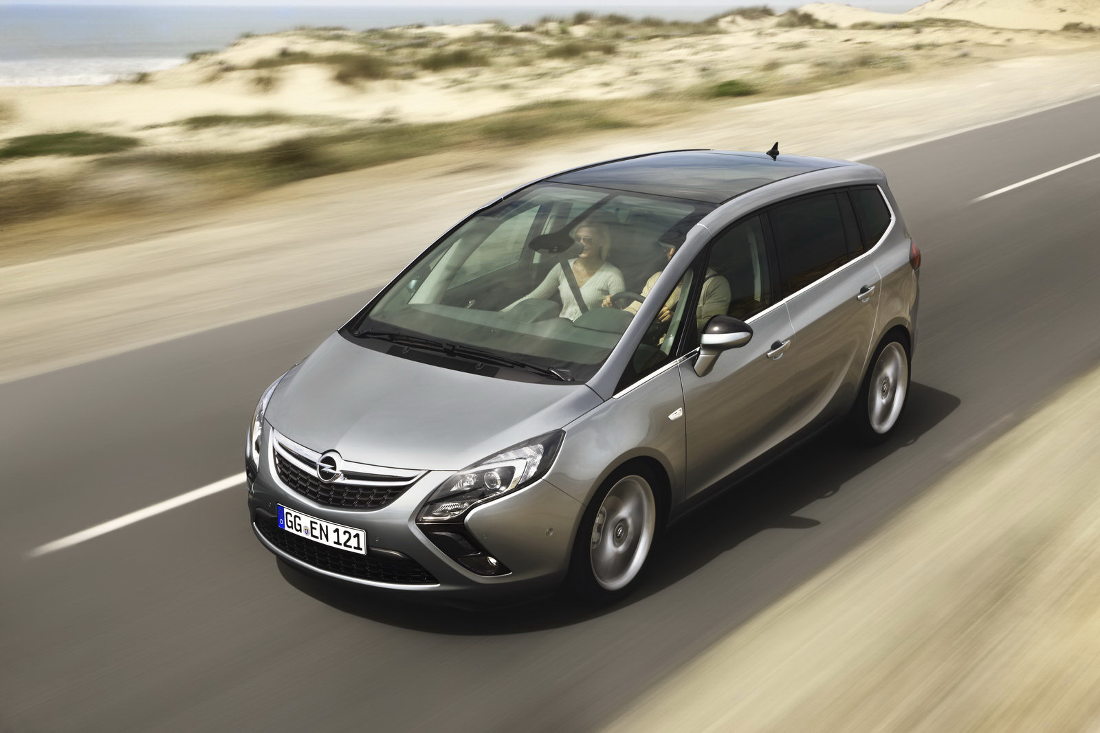 opel cheated on zafira diesel emissions tests says belgian tv channel. Black Bedroom Furniture Sets. Home Design Ideas
