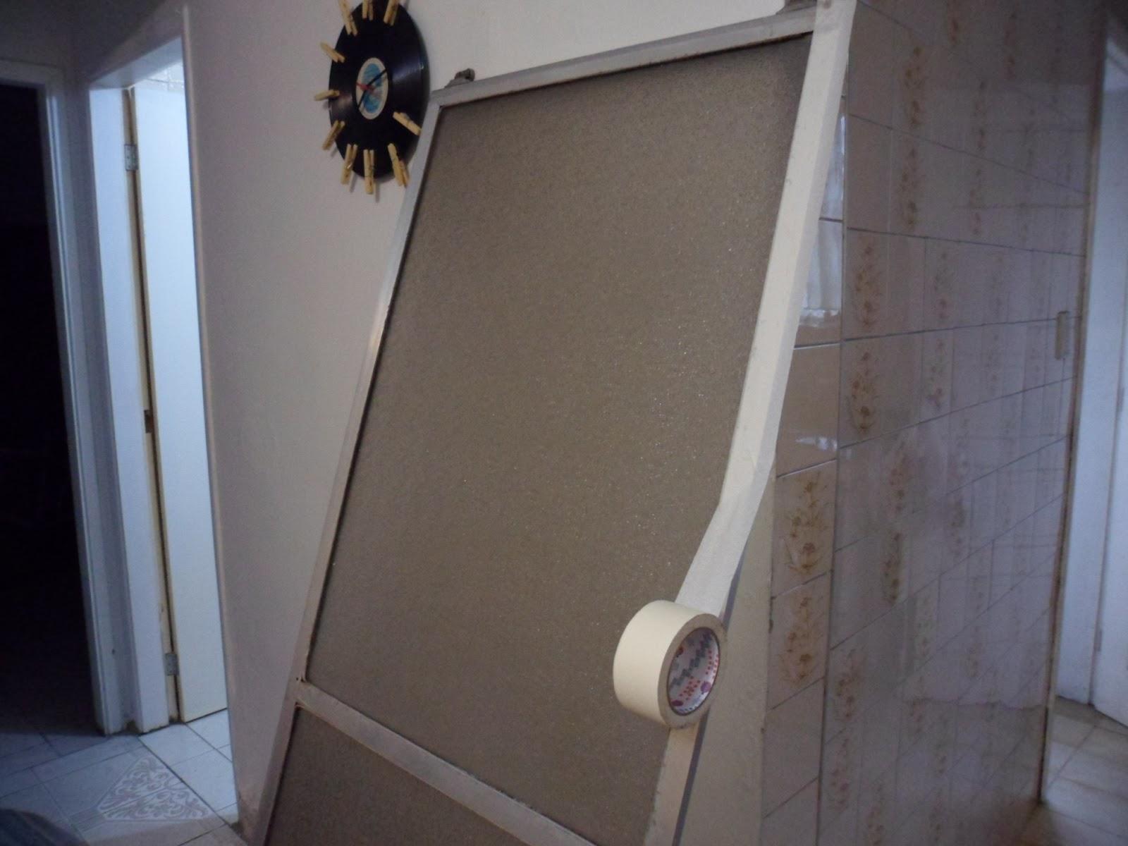 Imagens de #3E608D  parte de acrílico passe fita crepe para proteger as bordas 1600x1200 px 3280 Box Acrilico Para Banheiro Como Instalar