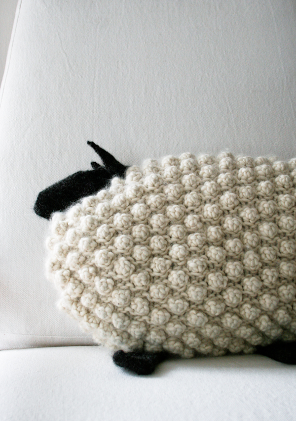 Sheep Knitting Pattern : Craft Tutorials Galore at Crafter-holic!: Knit a Bobble Sheep Pillow