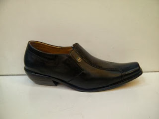 Jual Sepatu Gianni Versace