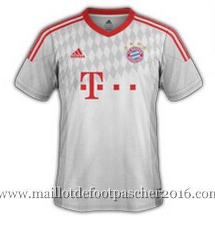 Áo đấu Bayern Munich 2015-2015 sân khách