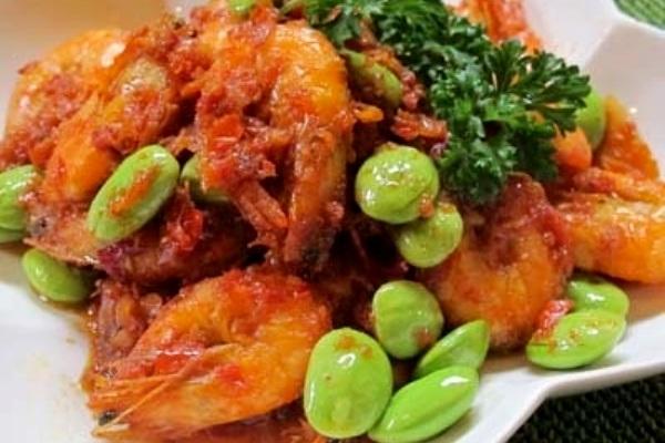 Prawn Sambal with Petai (Sambal Udang Petai). Nusantara Culinary