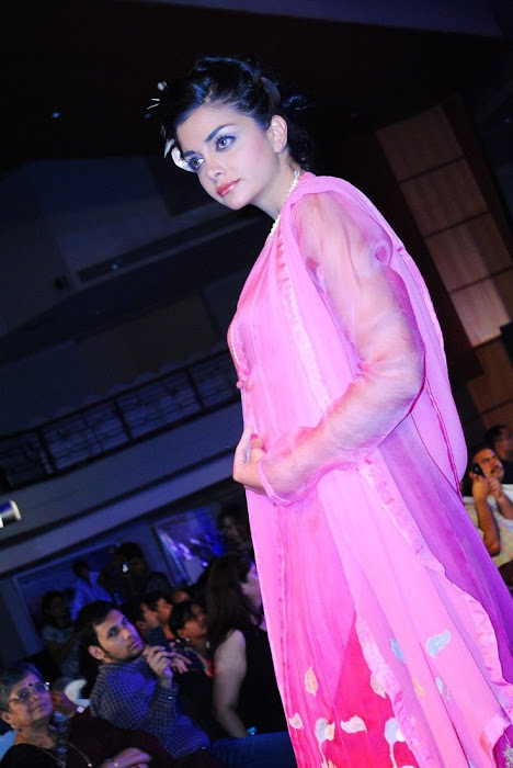 hyderabad fashion week beautiful model unseen pics