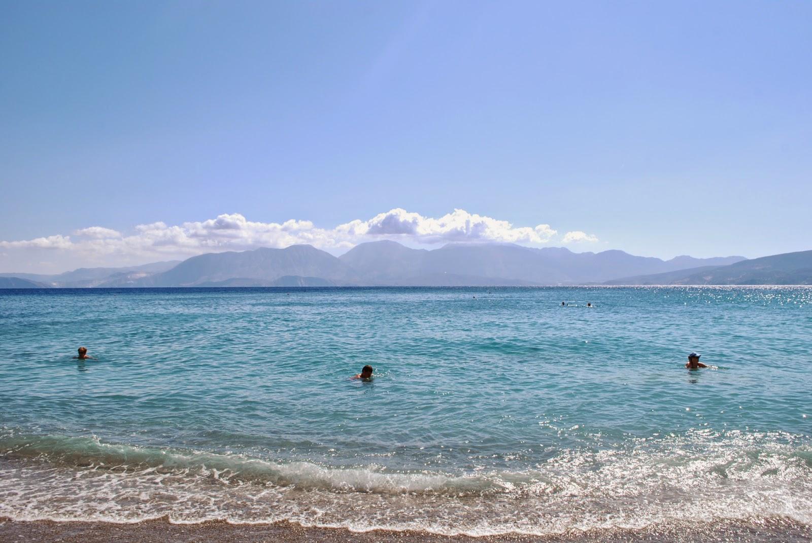 Пляж  Китроплатия, Агиос Николаос, Крит, Греция. Kitroplatia beach, Agios Nikolaos, Crete, Greece