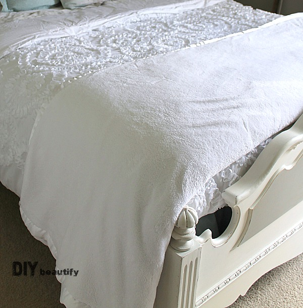 Gorgeous and sumptuous bedding and curtains for a Guest Room Makeover #ORC at DIY beautify!