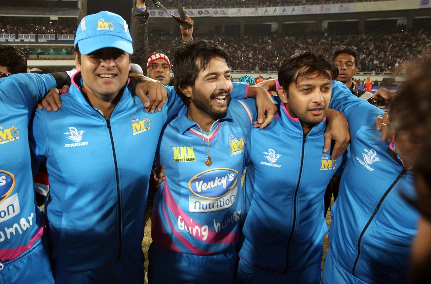 CCL Photos:Mumbai Heroes win their second match against Kerala Strikers