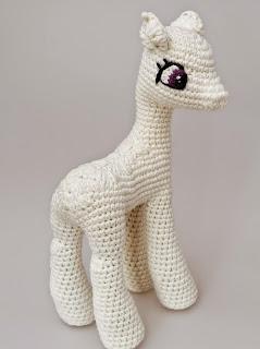 Pequeno Pony Amigurumi Patron : PATRON GRATIS PONY (MI PEQUEnO PONY) AMIGURUMI 11219 ...