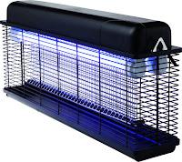 Capcana electrica insecte -material ABS plastic, 2x15W UV-A tub, insectele sunt electrocutate cu 2000-2500V,  IPX4 impermeabil, poate fi folosit atat la interior cat si la exterior, tava de colectare , lant agatare, 510x105x(H)315, 230V, 30W