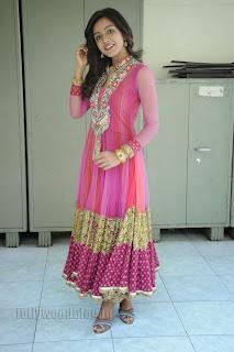 Vithika Sheru Gorgeous Pictures Gallery 016