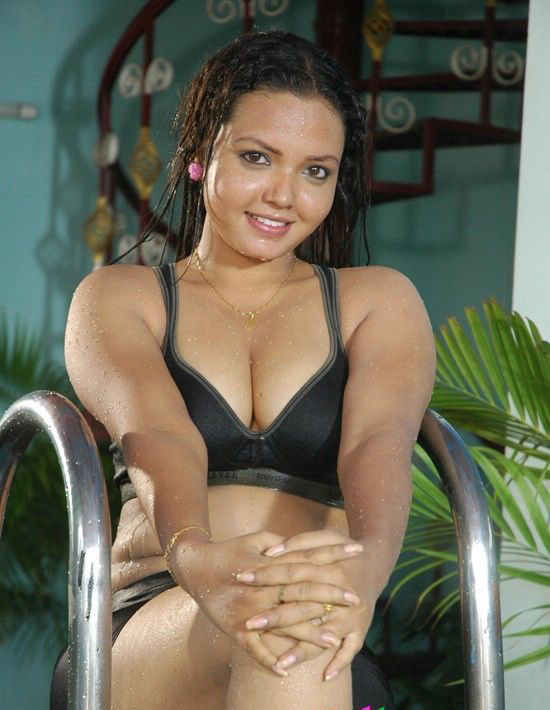 Cleavage indian actress hot south